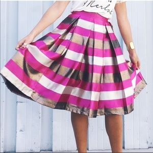 T&J Designs Skirts - Gorgeous Pleated Skirt With Pockets